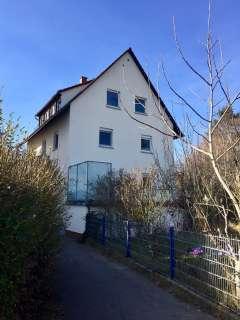 3 Familienhaus mit schönem Garten - Hausansicht Ost