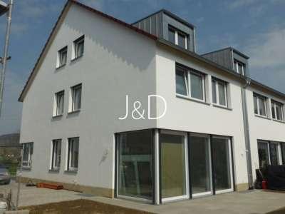 bezugsfreie Doppelhaushälfte im Kaiserstuhl - Terrassenseite
