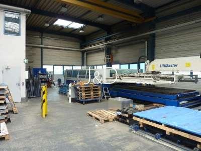 3 Hallen für Produktion, Lagerung und Montage mit Bürogebäude - Kranbahnhalle