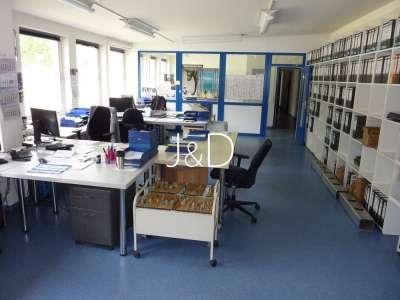 3 Hallen für Produktion, Lagerung und Montage mit Bürogebäude - Büro AV